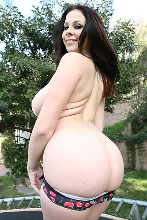 Naked Big Booty Teen Pictures