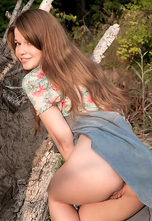 Naked Teen Upskirt Pictures