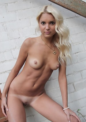 Naked Tanned Teen Pictures